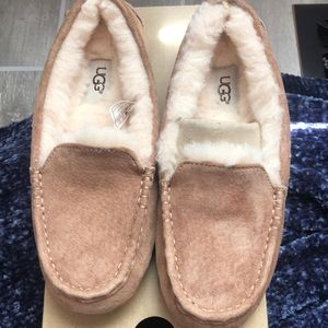 Brand new Ansley Ugg Slippers size 5